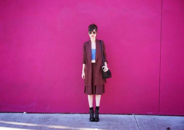 a fashion nerd blogger jacket skirt sunglasses culottes crop tops burgundy top bag shoes jewels