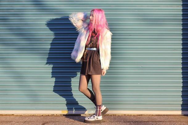 kayla hadlington blogger socks fuzzy coat pastel hair soft grunge coat top shoes pink coat
