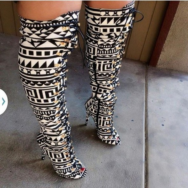 shoes black and white mayan  print