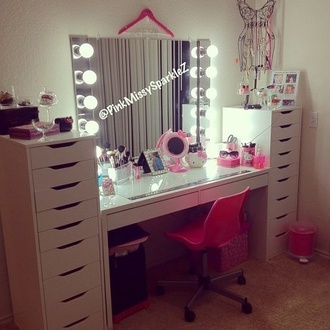home accessory chair pink makeup table