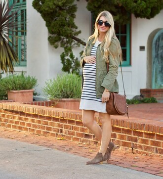 ashn'fashn blogger sunglasses jacket dress bag shoes striped dress army green jacket shoulder bag maternity dress