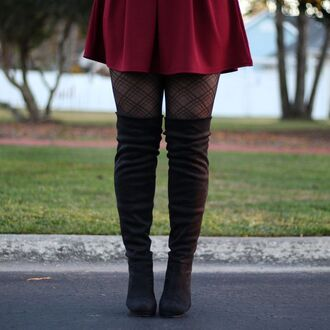 skirt burgundy skater skater skirt burgundy skater skirt fall outfits winter outfits 2016 plaid tights pantyhose thigh high boots black black thigh high boots over the knee boots black over the knee boots cute streetstyle blogger circle skirt