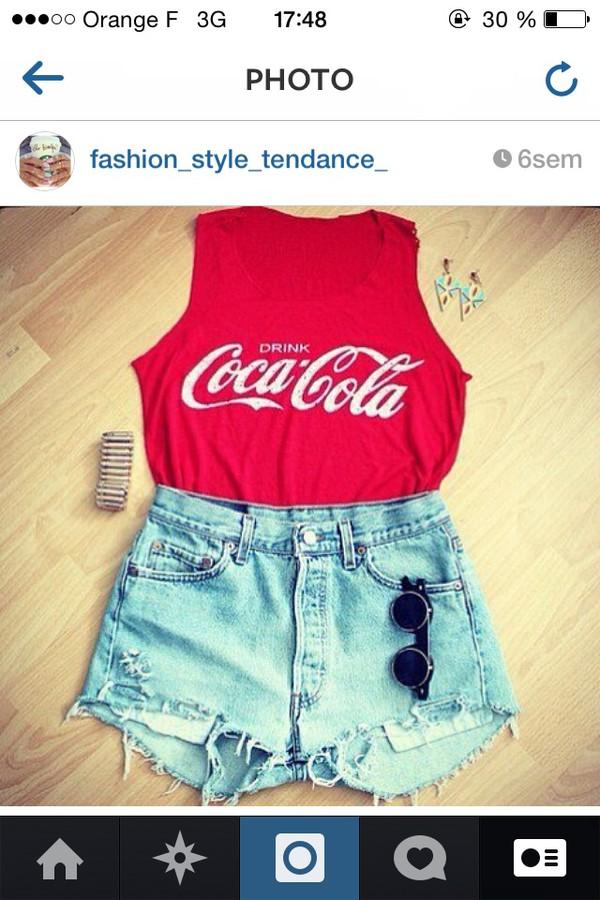 t-shirt coca cola red