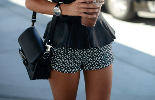 tank top peplum leather shorts pattern bag jewels peplum top black and white shorts printed shorts black shirt cute short shorts black and white aztec pants short black and white black shorts top outfit blogger outfit