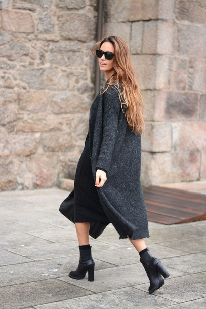 stella wants to die blogger cardigan grey coat black shoes