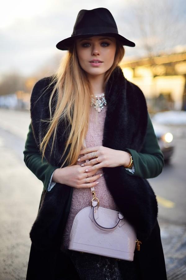 kayture coat t-shirt pants bag jewels hat