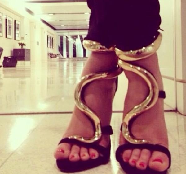shoes black gold heels