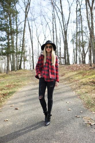 atlantic pacific blogger jeans sunglasses flannel shirt hat
