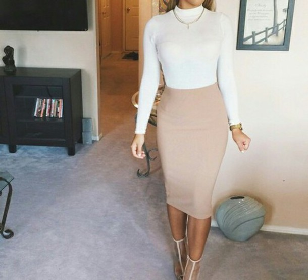 skirt white nude heels sexy summer outfits shoes t-shirt top