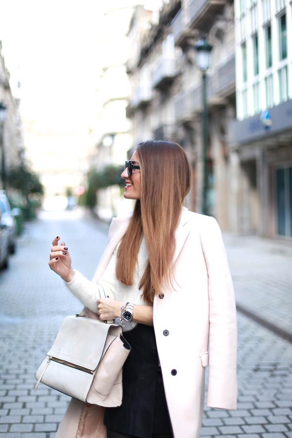 b a r t a b a c skirt sweater coat sunglasses jewels bag shoes