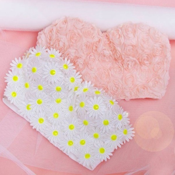 tank top white and yellow daisy pink roses crop crop tops flowers strapless sweet heart neckline top roses pink yellow white bandeau top bandeau blouse girly bustier crop top