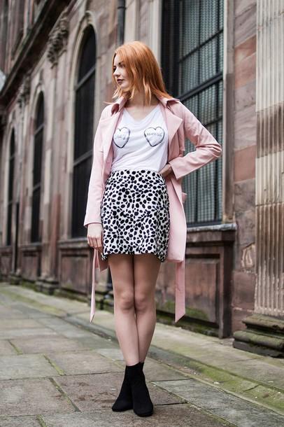 hannah louise fashion blogger heart white t-shirt animal print pink coat coat t-shirt skirt shoes