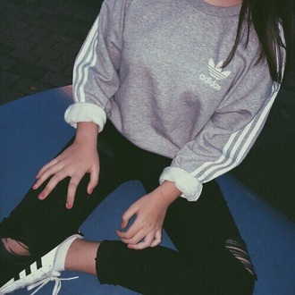 grey adidas sweatshirt black ripped jeans ripped jeans grey sweater sweater adidas sweater adidas originals black jeans skinny jeans adidas shoes adidas superstars superstar black and white hoodie jumper grey hoodie white stripes brunette black cute fashion outfit top shirt women