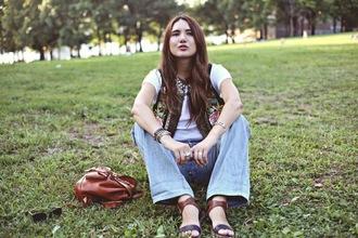 color me nana blogger t-shirt jacket jeans jewels folk