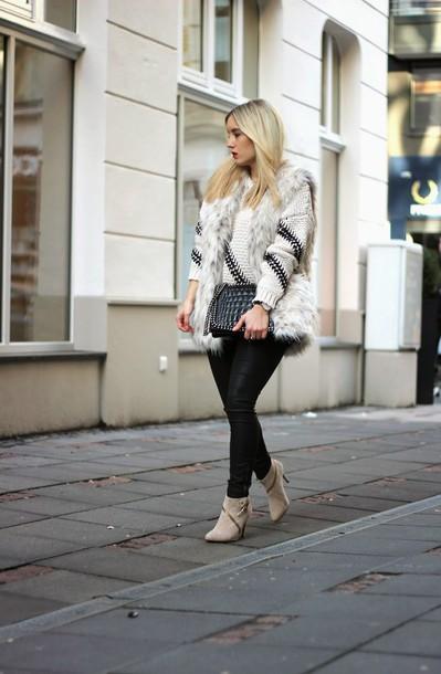 fashion twinstinct blogger faux fur vest leather pants knitted sweater winter outfits winter sweater shoes jacket sweater pants bag jewels grey fur vest