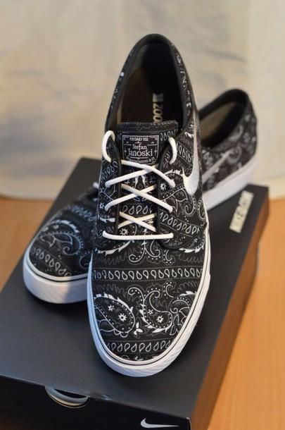 sneakers paisley