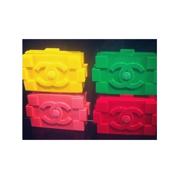 Novo objeto de desejo…Chanel Lego Clutch - Polyvore