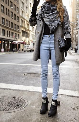 madame julietta blogger gloves blanket scarf grey coat chunky boots
