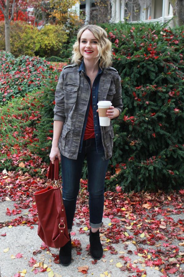 poor little it girl t-shirt jeans shoes jewels jacket bag
