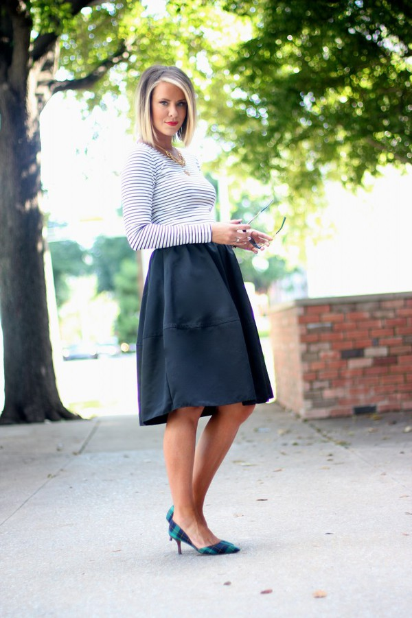 the courtney kerr top skirt shoes jewels sunglasses