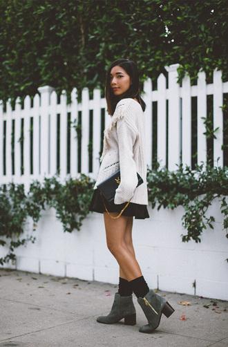 honey n silk blogger oversized sweater knitted sweater fall sweater mini skirt ankle boots white oversized sweater mini skirt and ankle boots white cable knit sweater cable knit black skirt black bag ysl ysl bag