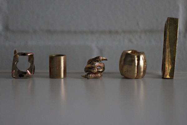 ring claw gold yellow jewels jewels