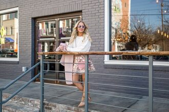 cortinsession blogger sweater skirt dress shoes jewels bag sunglasses scarf white sweater pink bag cardigan