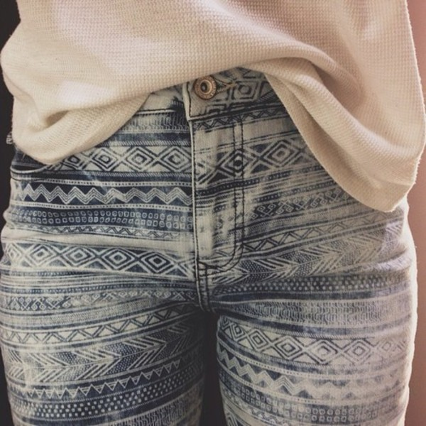 jeans trouser sweater jeans blue skinny jeans aztec skinny jeans blue light blue blue jeans pants blue white jeans high waisted tribal pattern cute patten skinny white tumblr tumblr girl girly elegant vintage black gold skinny pants style fashion pattern
