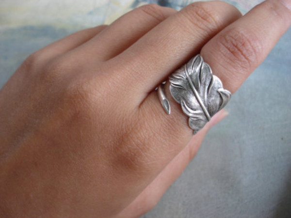 silver ring leaves jewels