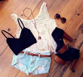 shirt clothes summer hippie crop tops shoes shorts tank top jeans gemstone pendant cute t-shirt white glasses necklace white shirt black blouse pants white crop tops white beach cream top crochet the black and white tee-shirt