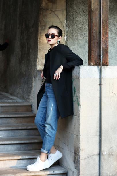 blaastyle blogger jeans white sneakers black coat sunglasses coat bag jewels