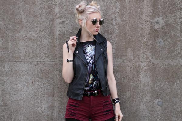 saraluxe jacket sunglasses belt shorts shoes