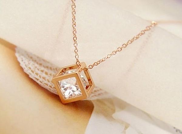 jewels fashion necklace
