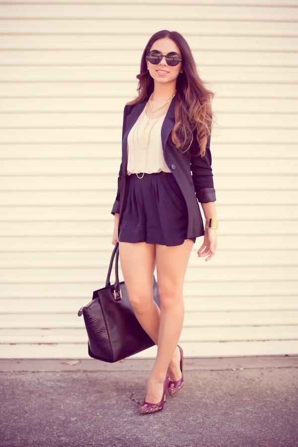 nany's klozet shoes shorts t-shirt jacket jewels sunglasses bag