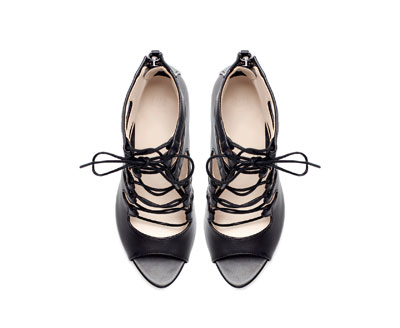ZAPATO ABOTINADO PIEL - Zapatos - Mujer - Nueva Colección   ZARA España