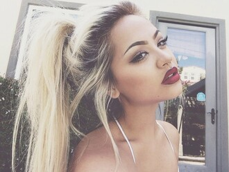 nail polish make-up blonde hair girl perfect girl foundation lipstick eyeliner hair/makeup inspo hair accessory hairstyles valentines day tumblr red lipstick
