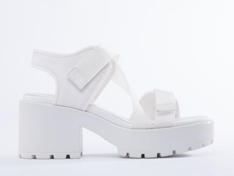 Vagabond Dioon 569 in White at Solestruck.com