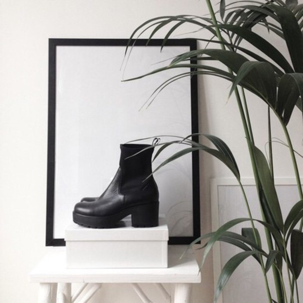 shoes black boots
