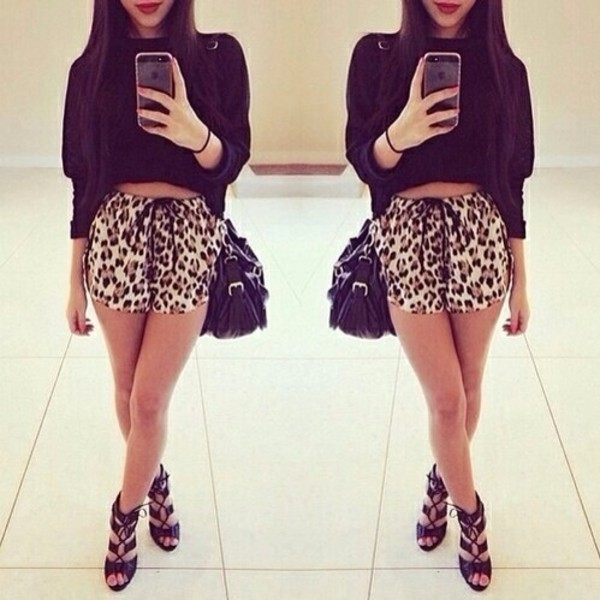 shorts print black beige brown