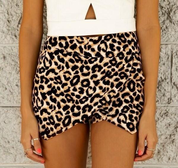 shorts shirt skirt