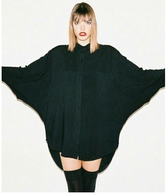 blouse black top black socks knee high socks batwing blouse red lipstick button up blouse indie emo cardigan top