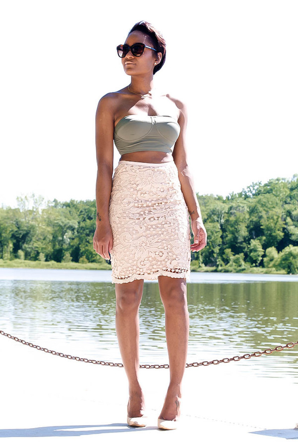 the daileigh skirt shoes sunglasses