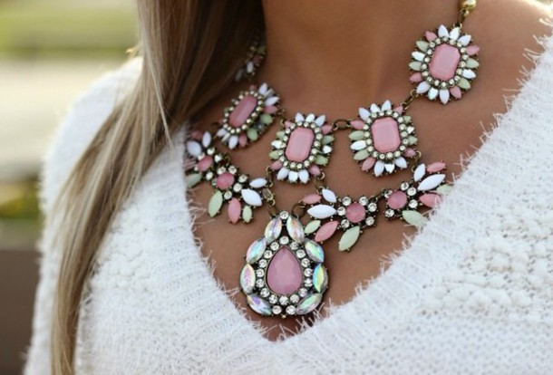 jewels necklace silver cristal necklace pink top sweater white top girly cristal pearl
