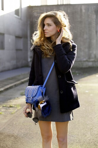 the blonde salad dress coat jewels bag sunglasses