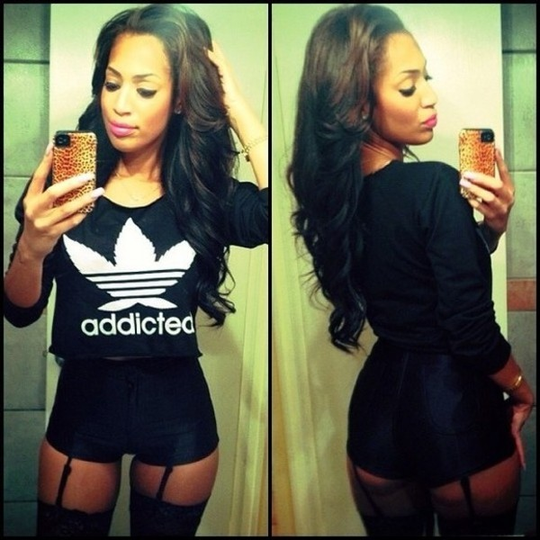 t-shirt addicted black white shorts