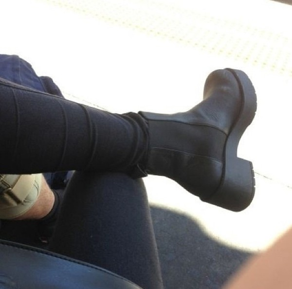 shoes boots little black boots black leather chunky heel ankle boots
