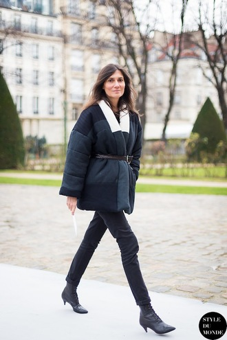shoes mid heel boots emmanuelle alt belt tumblr kitten heels black boots lace up boots jeans black jeans jacket oversized jacket black jacket streetstyle fall outfits