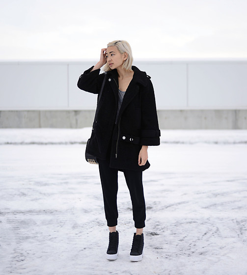 Outfit Details - It gets cold in the night - Alyssa Lau   LOOKBOOK