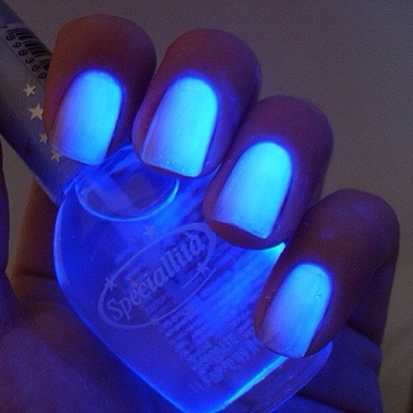 nail polish nails blue glow in the dark glow in the dark light blue amazing ♥️ neeed this