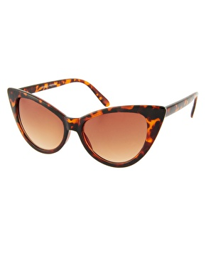 Jeepers Peepers   Jeepers Peepers Leia Tortoise Shell Sunglasses at ASOS
